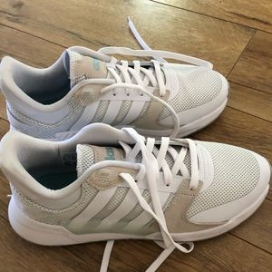 Adidas 90s Run Parley women's sneakers 8.5